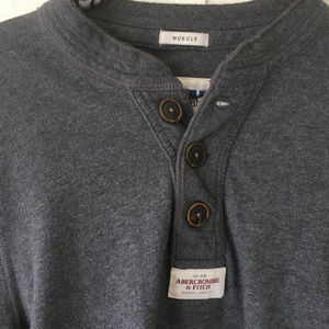 pullover polo abercrombie lettering on sleeve